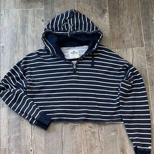 Hollister cropped hooded shirt